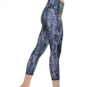 Alo Yoga High Waist Python Airbrush Capri